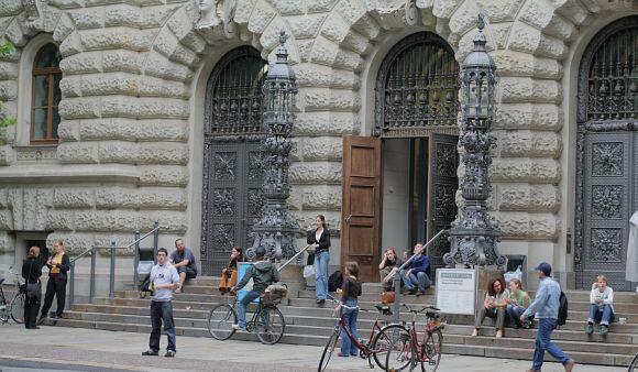 Egyetem (régi épület)