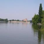 Tatai tó hosszában