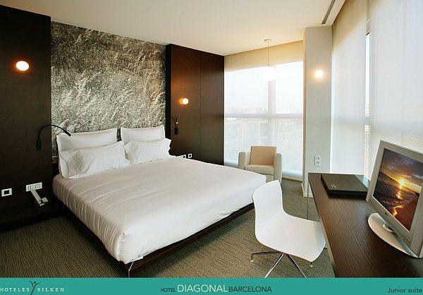 hotel diagonal barcelona lakoszt ly suite sz ll s s l tnival nyaral s s utaz s. Black Bedroom Furniture Sets. Home Design Ideas