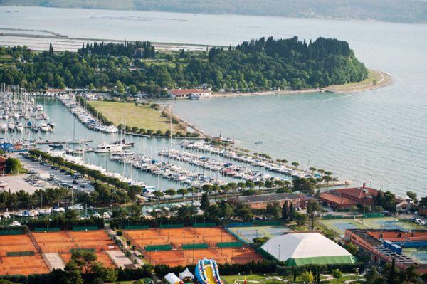 Üdülőhely szállás és sport