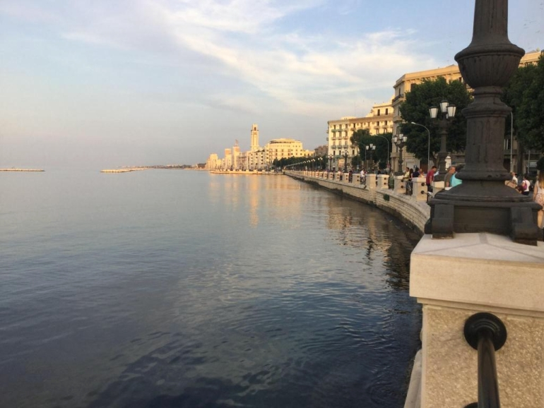Bari belvárosi tengerpartja